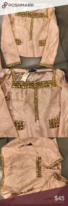 Beautiful Arden B holiday peplum jacket Stunning Arden B peplum jacket. Gold cotton with metallic weaving. Gold accents throughout. Front has snap button closures. In pristine condition- never worn and has tag. This would be great for the holidays with winter white pants! Arden B Jackets & Coats