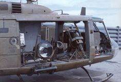 Huey with teeth Vietnam History, Vietnam War Photos, Navy Military, Military Weapons, Military Helicopter, Military Aircraft, Brown Water Navy, War Photography, United States Army