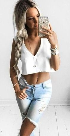 Stunning Casual Feminine Look For Spring And Summer 2018 Ideas11 Fashion  Trends 70de8eba25f26