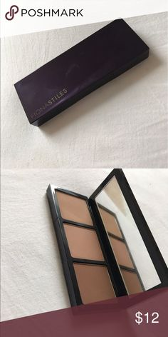 Fiona Stiles sheer sculpting palette Color is in medium/dark very smooth creamy powders and they are invisible on the skin but very good at contouring fiona stiles Makeup Face Powder