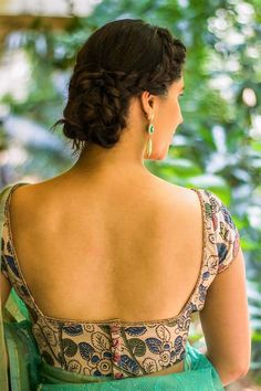 Buy Designer Blouses online, Custom Design Blouses, Ready Made Blouses, Saree Blouse patterns at our online shop House of Blouse from India. Kalamkari Blouse Designs, Kerala Saree Blouse Designs, Saree Blouse Patterns, Simple Blouse Designs, Blouse Neck Designs, Dress Designs, Blouse Styles, Designer Blouses Online, House Of Blouse