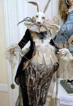 White rabbit alice in wonderland Rabbit Art, Rabbit Hole, Soft Sculpture, Rabbit Sculpture, Costume Design, Beautiful Dolls, Doll Toys, Puppets, Alice In Wonderland