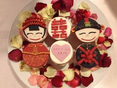 Chinese Bride and Groom Cupcakes
