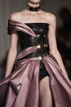 Atelier Versace Fall 2014 - Details