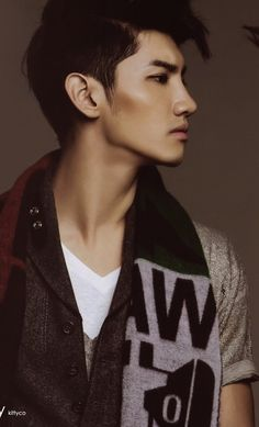 He seriously has the most striking facial structure ever. <3 #Changmin #TVXQ