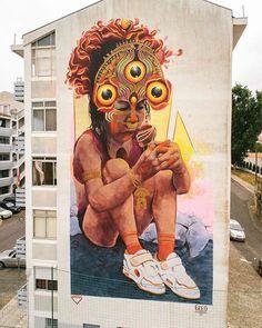 "A new mural by @gleo_co ""Heart of gold"" // new wall in Lisboa, Portugal // thanks to @galeria_de_arte_urbana for invitation #gleo #gleoart #galeriadearteurbana #streetarteverywhere #streetartlisboa #streetartcolombia #streetart #mural"