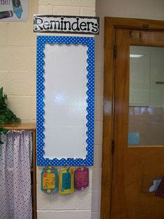 Reminder board for your classroom cause we ALWAYS forget something at the end of class! So smart! This would be good to put sticky notes on. Tell a child to go put it on the reminder board. Classroom Setting, Classroom Displays, Kindergarten Classroom, School Classroom, Classroom Decor, Classroom Design, Future Classroom, Classroom Walls, Classroom Layout