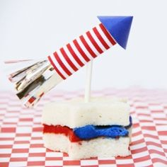 DIY Firecracker Cake Toppers for the Fourth of July. #craftgawker