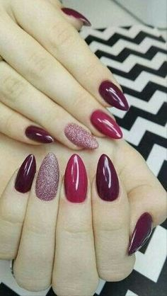 "If you're unfamiliar with nail trends and you hear the words ""coffin nails,"" what comes to mind? It's not nails with coffins drawn on them. It's long nails with a square tip, and the look has. Gorgeous Nails, Love Nails, How To Do Nails, Pretty Nails, Fun Nails, Nagel Hacks, Shellac Nails, Gradient Nails, Nail Gel"