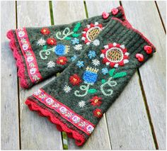 Uutar: Villapaitaa uusiokäytössä - wrist warmers made of an old sweater sleeves (probably) cut off embroidered and ribbons added - really pretty! Wool Embroidery, Silk Ribbon Embroidery, Vintage Embroidery, Cross Stitch Embroidery, Fingerless Mittens, Knit Mittens, Knitted Gloves, Wrist Warmers, Hand Warmers