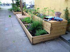 Plantekasser med siddepladser