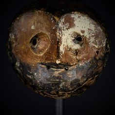 Nu in de #Catawiki veilingen: Exeptional African Tribal Round LEGA mask . Democratic Republic of the Congo.