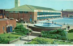 Butlins Fliey - Indoor and outdoors pools