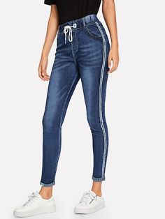 Cheap Ripped Jeans, Jean Outfits, Cool Outfits, Black And White Girl, Stylish Jeans, Embroidery Suits Design, Stylish Dresses For Girls, Comfy Pants, Curvy Jeans