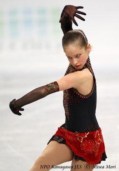 I love Yulia Lipnitskaya because she has a original way of expressing herself and isn't afraid to take bold risks.
