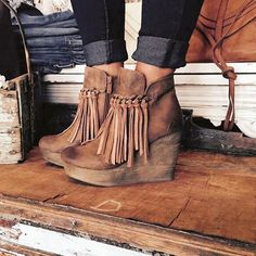 What #Fall essential could you just not even wait to break out yesterday?? My…