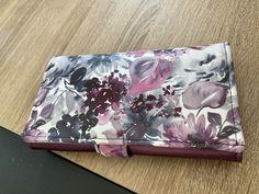 Compagnon Complice violet imprimé aquarelle cousu par Estelle - Patron Sacôtin