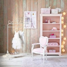 Girls' bedrooms on Maisons du Monde. Take a look at all the furniture and decorative objects on Maisons du Monde. Furniture Decor, Bedroom Furniture, Girls Furniture, Autumn Room, Kids Armchair, Wooden Bookcase, Bohemian House, Decoration Piece, Bedroom Styles