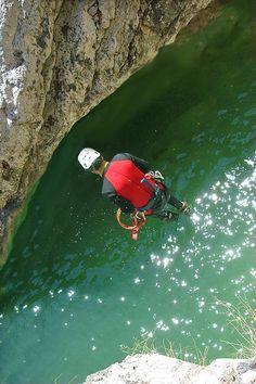 Sprung ins erfrischende Naß beim Canyoning Aqua, Abseiling, Tours, Landscape, Water