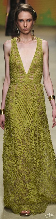 Spring 2016 Ready-to-Wear Alberta Ferretti ~ETS #albertaferretti #italiandesign