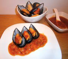 Mejillones en salsa picante. Salsa Picante, Ratatouille, Ethnic Recipes, Food, Traditional Kitchen, Spanish Cuisine, Mussels, Ethnic Food, Essen