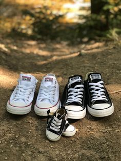 Pregnancy Announcement Shoes, All Star, Cute Babies, Baby Kids, Baby Life Hacks, Baby Converse, Baby Fever, Pregnancy Photos, Maternity Photography