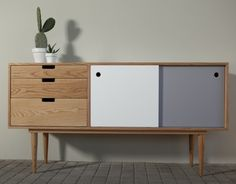 63 Vintage Furniture Collection: Buffet Cabinets, Sideboards, Bedside Tables and Desks – Futurist Architecture Retro Furniture, Mid Century Modern Furniture, Plywood Furniture, Unique Furniture, Painted Furniture, Diy Furniture, Furniture Design, Furniture Logo, Refurbished Furniture