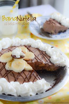 Fresh bananas, chocolate graham cracker crust, and a Nutella cream filling make this pie one to dream about! - BanaNutella Dream Pie by TheCrumbyCupcake