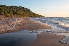 Beautiful stretch of coast in Stenshuvud National Park, Skåne. Photo: Anders Good/IBL Bildbyrå