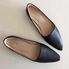 J. Jill black leather favorite skimmers 6 Excellent condition. Only worn one time. Super soft leather upper and soles, tiny kitten heel. Heel pads added for comfort. They run slightly big. Comes with original box. Bundle to save 25%! J. Jill Shoes Flats & Loafers