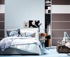 Zeitloses Schlafzimmer mit viel Stauraum