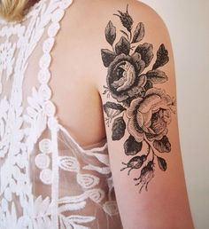 shoulder tattoo... this is so pretty but i dont know if i could commit to it