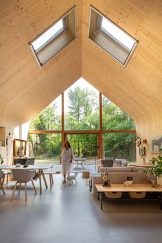 Woonpioneers hides prefabricated Indigo cabin within Dutch forest. Amazing Architecture, Interior Architecture, Interior Design, Interior Ideas, Vertical City, Dutch House, Compact House, Prefabricated Houses, Floating House