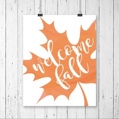 Welcome Fall FREE PRINT via @peasyprints   Love this pretty fall decor idea, just print and frame to welcome the holiday season! Bring on fall decor and pumpkin spice!