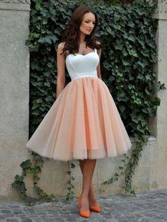 Tea-length A-line Sweetheart Tulle Ruffles Glamorous Prom Dresses
