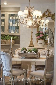 Magnificent French country dining room makeover The post French country dining room makeover… appeared first on Home Decor For US .
