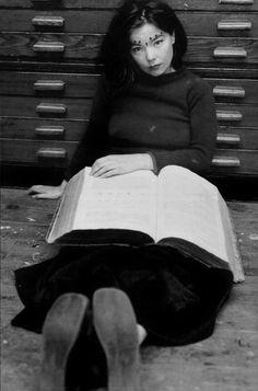Björk [reading]