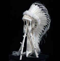 Paper Artists Eckman Cool Cast Paper Art Sculptures War-Bonnet-Display Really like how detailed and fragile it looks. Native American Headdress, Native American Clothing, Native American Fashion, Native American History, Native Indian, Native Art, American Indian Art, American Indians, War Bonnet