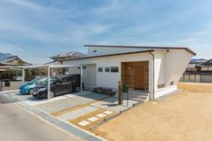 「香川の家」掲載の+1DAY (有)西建住宅が手がけた実例・施工例です。込められた想いは「心地よさには理由がある。 性能とデザインを両立させた家。」香川県高松市の実例・施工例・新築が一斉に見れる。香川の地元工務店で家を建てたい人には必見の情報が盛りだくさん。