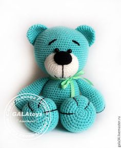 This Pin was discovered by Onl Teddy and Differences Crochet Teddy, Crochet Bear, Crochet Patterns Amigurumi, Amigurumi Doll, Crochet Animals, Crochet Dolls, Crochet Crafts, Yarn Crafts, Crochet Projects