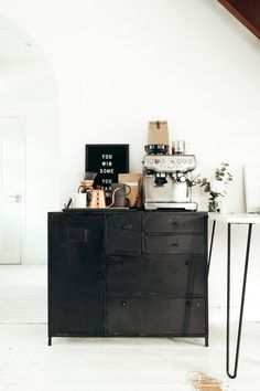 The coffee station of dreams featuring the Sage Barista Express coffee machine. Coffee Bar Station, Coffee Station Kitchen, Home Coffee Stations, Coffee Nook, Coffee Bar Home, Cozy Coffee, Interior Design Inspiration, Home Interior Design, Cafe Bar
