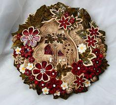 Procházka+zahradou+160.+Keramický+věnec+...věnec+má+zezadu+očko+na+zavěšení,+průměr+32+cm...+originálKronmon74+Monika+Kronďáková Origami, Pottery, Clay, Wreaths, Ceramics, Pasta Piedra, Crafts, Painting, Home Decor