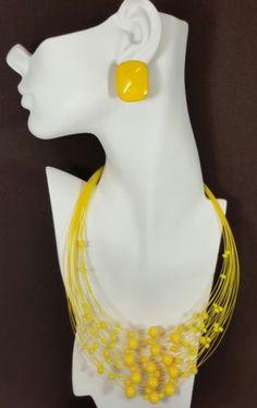 Vtg-Jewelry-Necklace-Earrings-Yellow-Plastic-Bead-Enamel-Summer-Design-Beauti