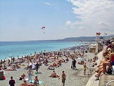 It's a fine day in #France for a trip to the beach. How #Nice! http://www.nyhabitat.com/blog/category/south-france/south-france-travel-guide/french-riviera/nice/