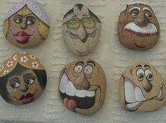 Painted rocks have become one of the most addictive crafts for kids and adults! Want to start painting rocks? Lets Check out these 10 best painted rock ideas below. Pebble Painting, Tole Painting, Pebble Art, Stone Crafts, Rock Crafts, Arts And Crafts, Posca Art, Rock And Pebbles, Rock Painting Designs
