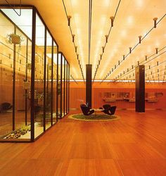 Banco Nacional de Dinamarca Arne Jacobsen Copenhague Dinamarca 1972-78