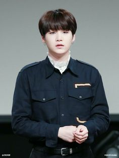 Suga ❤ BTS at the Yeouido Fansign #BTS #방탄소년단