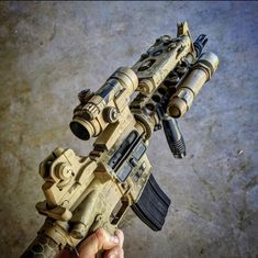 Miltary — weaponspot: looking tacticool. Military Weapons, Weapons Guns, Guns And Ammo, Tactical Equipment, Tactical Gear, Zombie Apocalypse Weapons, Camo Guns, M4 Carbine, Battle Rifle
