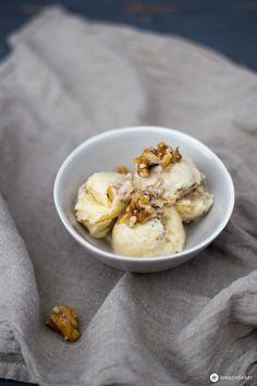 Apfelstudel-Eis selbermachen - mit zimtigen Apfelstückchen und karamelliserten Walnüssen - mit und ohne Eismaschine