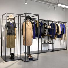 "COHIM FASHION TRAINING ORGANIZATION, Beijing, China, student project: ""Graduation Visual Merchandising/Color Trend"", pinned by Ton van der Veer"